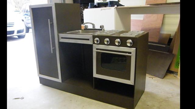 Kids Kitchen: the first safe, working mini kitchen by Sam Border