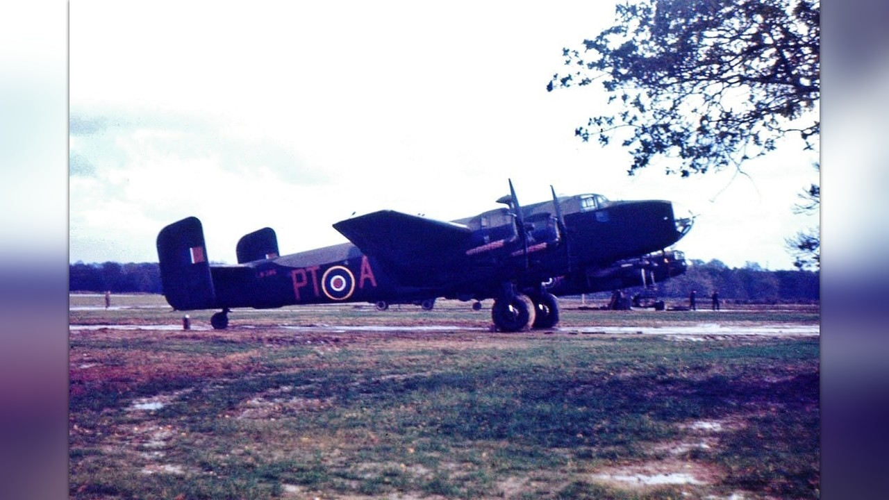 Support the Recovery of a RCAF Halifax Bomber by Halifax 57