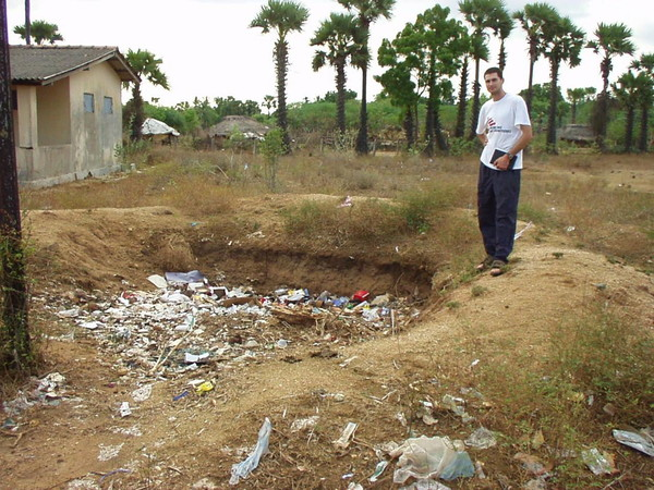Hospital waste pit in Sri Lanka